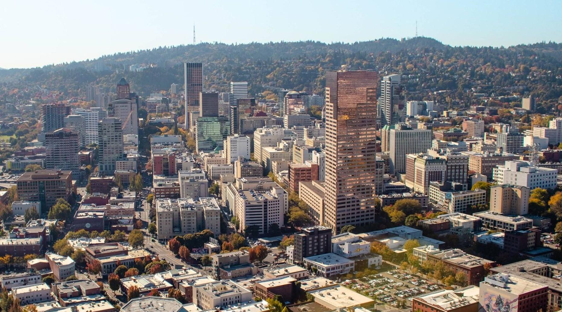 Golden Downtown Portland Helicopter Tour