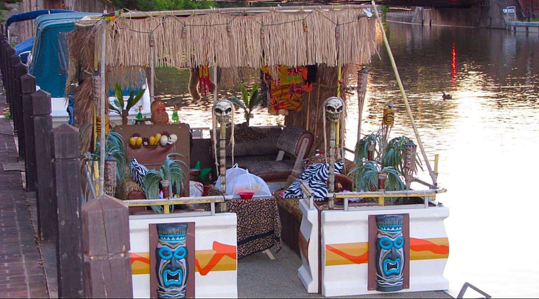 Four-Hour Kanaloa Tiki Lounge Pontoon Boat Rental