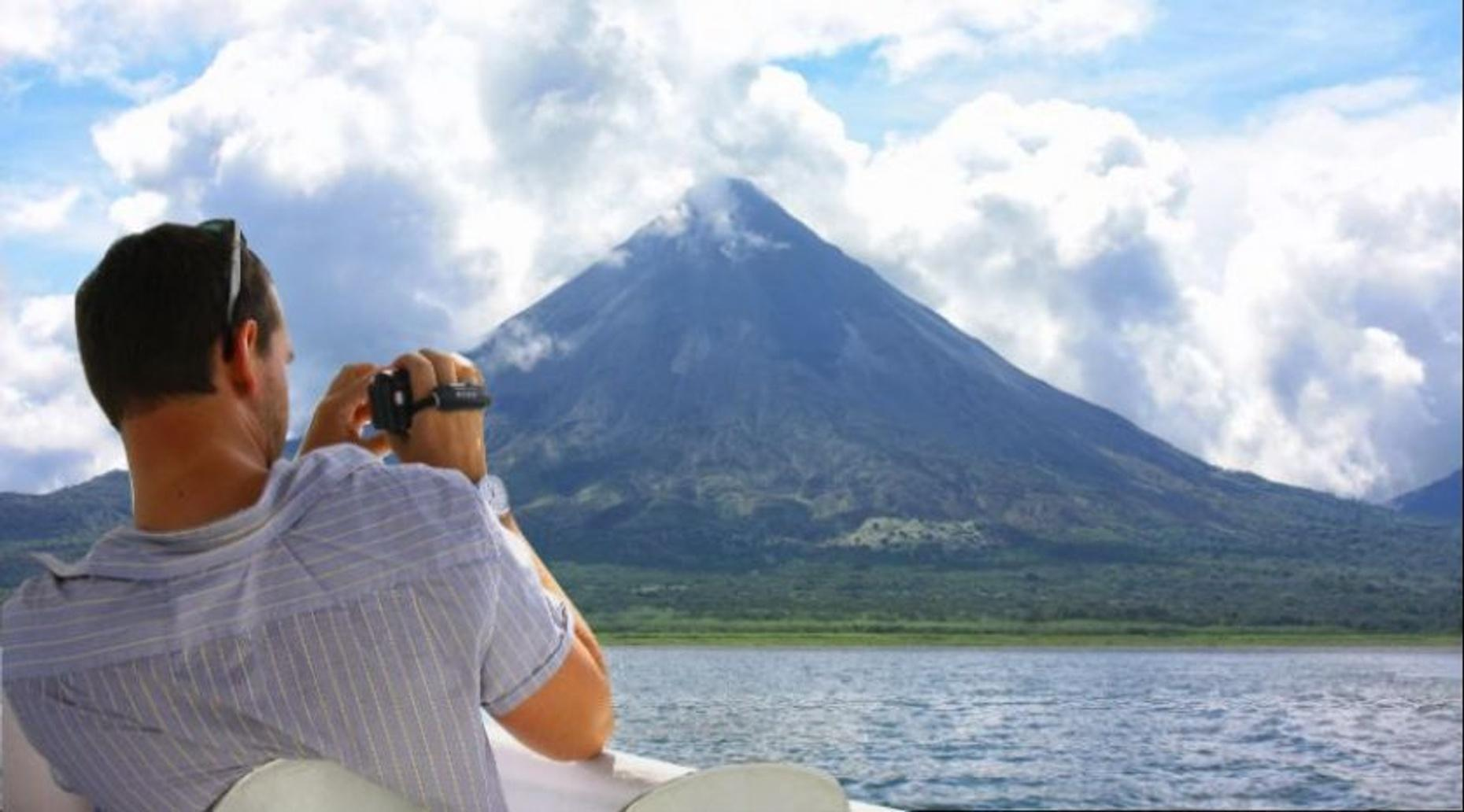 Arenal Volcano National Park by the lake + Trail