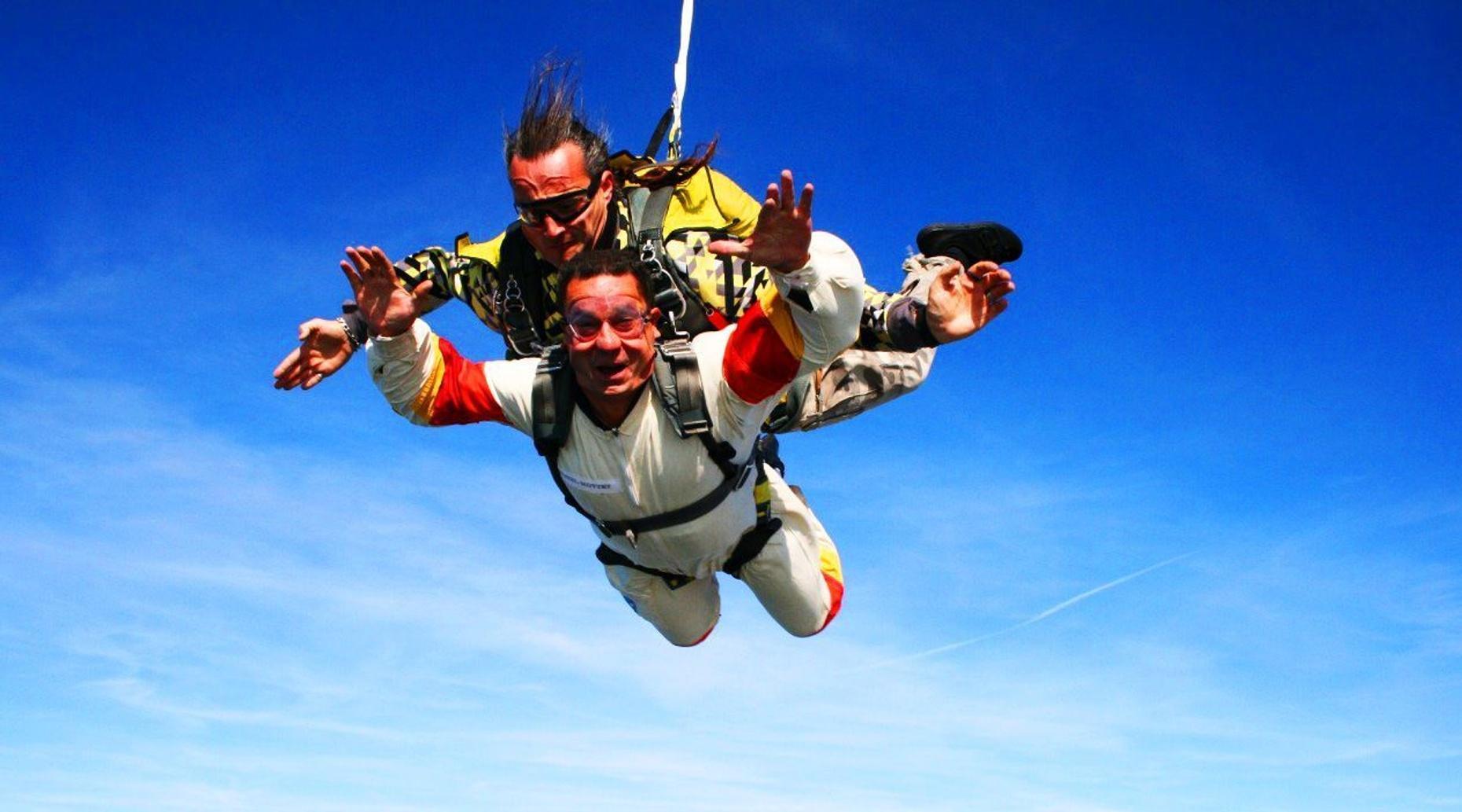 Tandem Skydiving Adventure in Phoenix