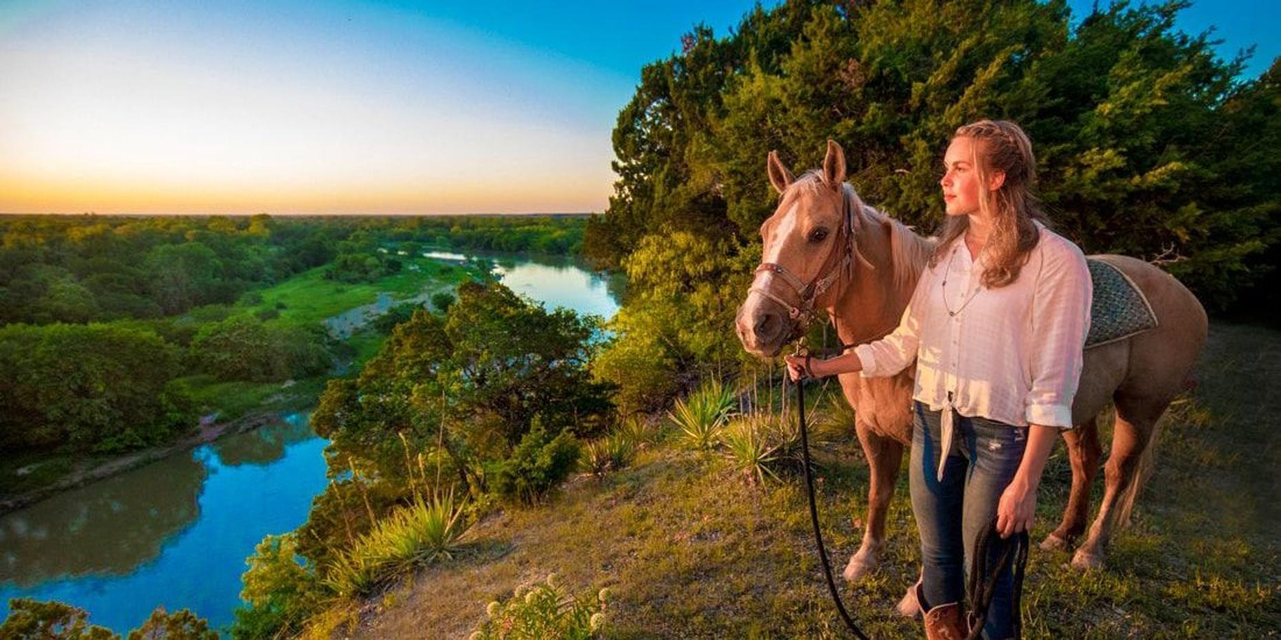 1-Hour Horseback Trail Ride in Elm Mott
