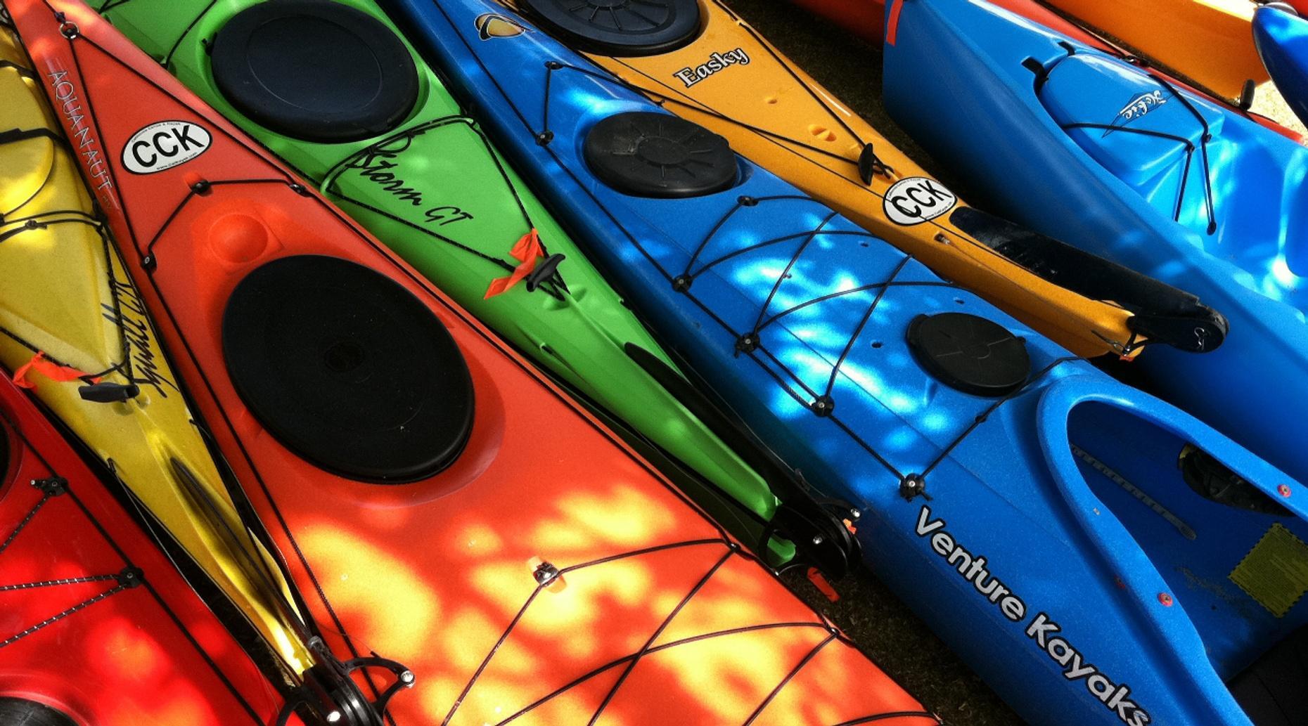 Single Kayak Manayunk Kayak Tour
