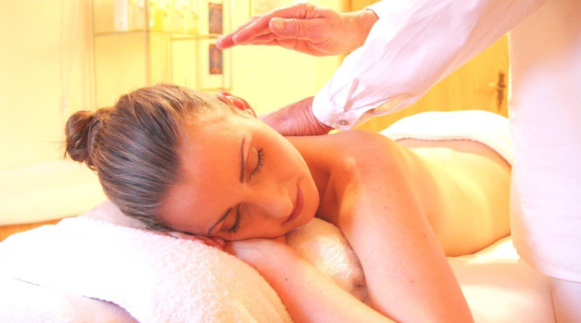60-Minute Therapeutic Aromatherapy in Denver