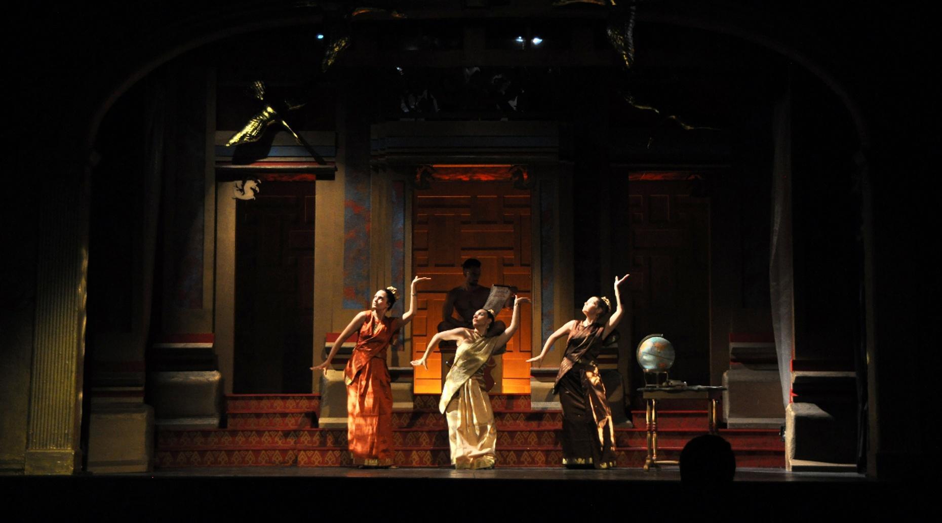 Broadway Musical Cruise on Lake Hopatcong
