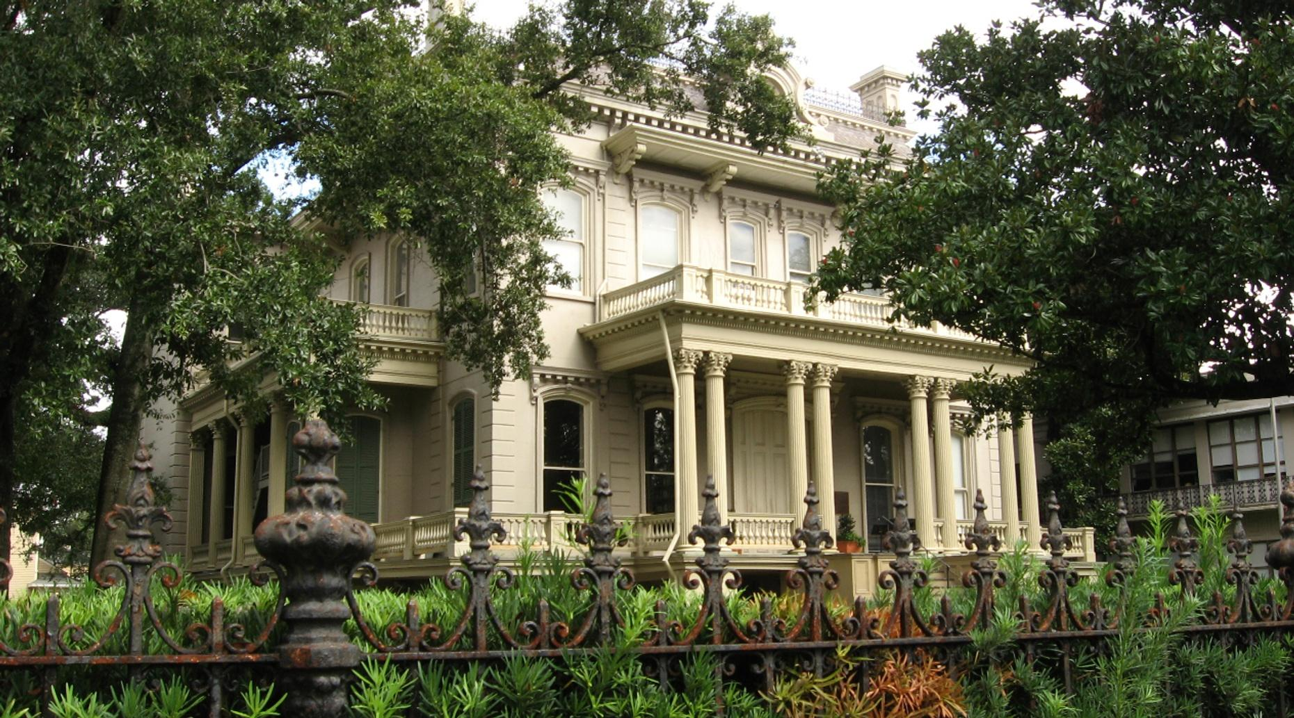 Guided Tour of the Lower Garden District