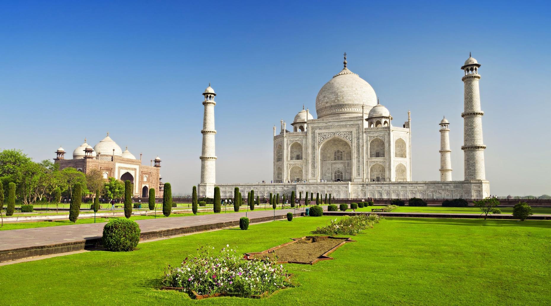 Train Ride to the Taj Mahal & Back from Delhi