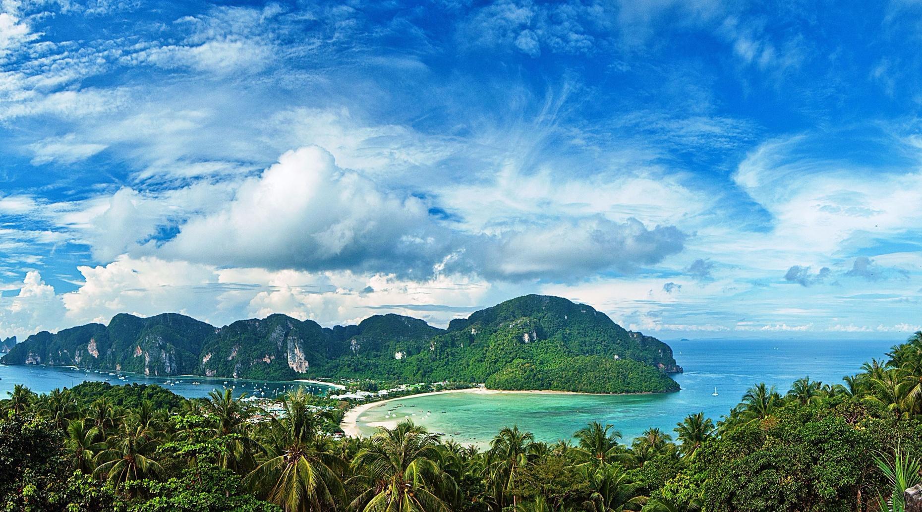 Phi Phi Island Speedboat Tour From Phuket