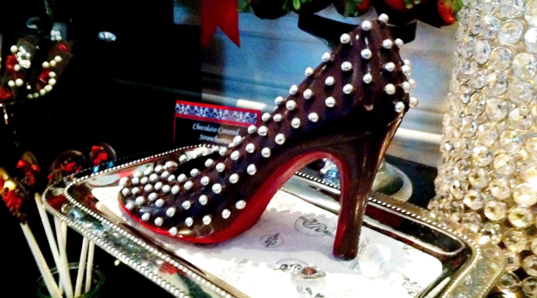 Parisian Personal Stylist Shopping Tour