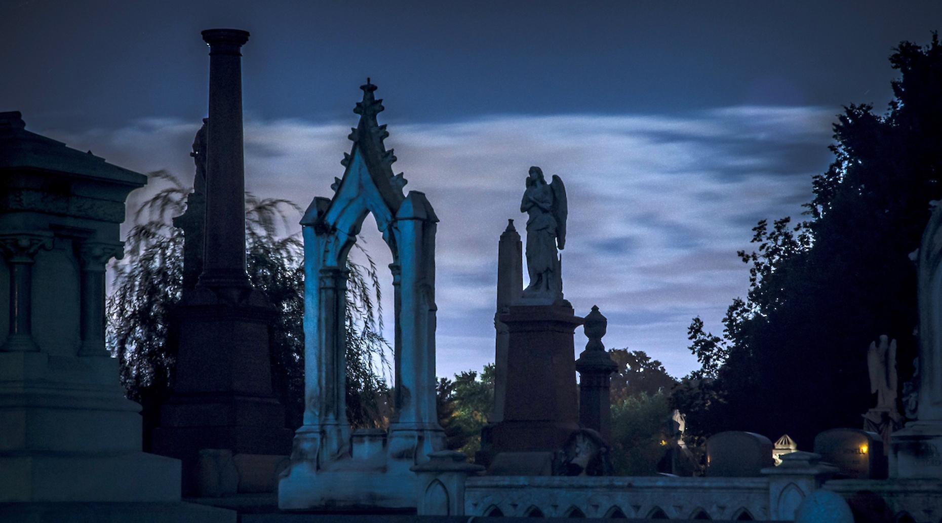 Cemetery & Serial Killer Tour of Philadelphia
