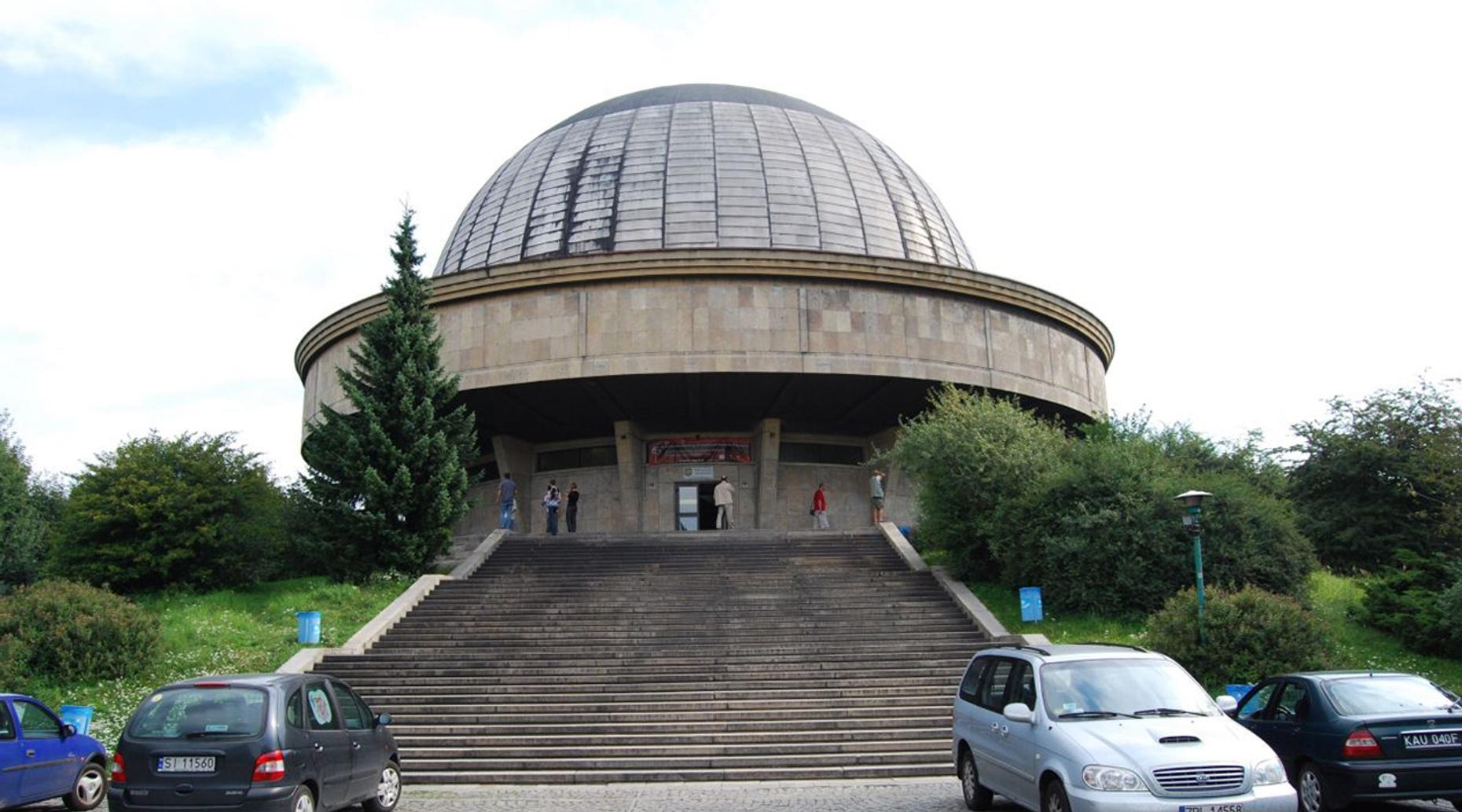 One-Hour Planetarium Tour in Orono