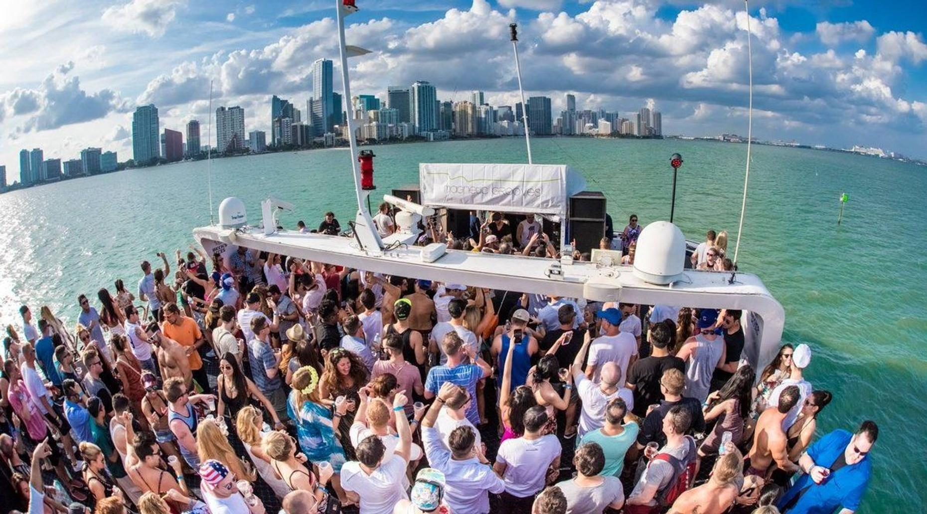 All-Inclusive Miami Party Boat Package