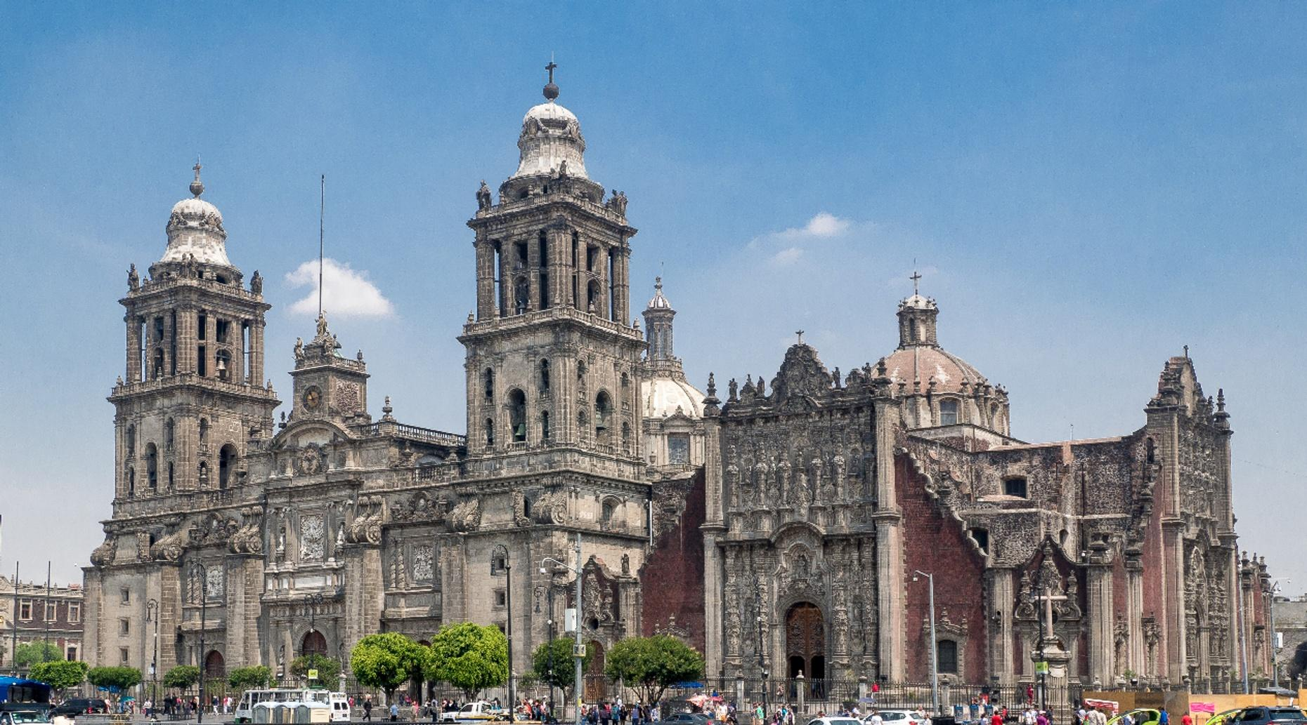 Downtown Walking Tour in Spanish of Mexico City