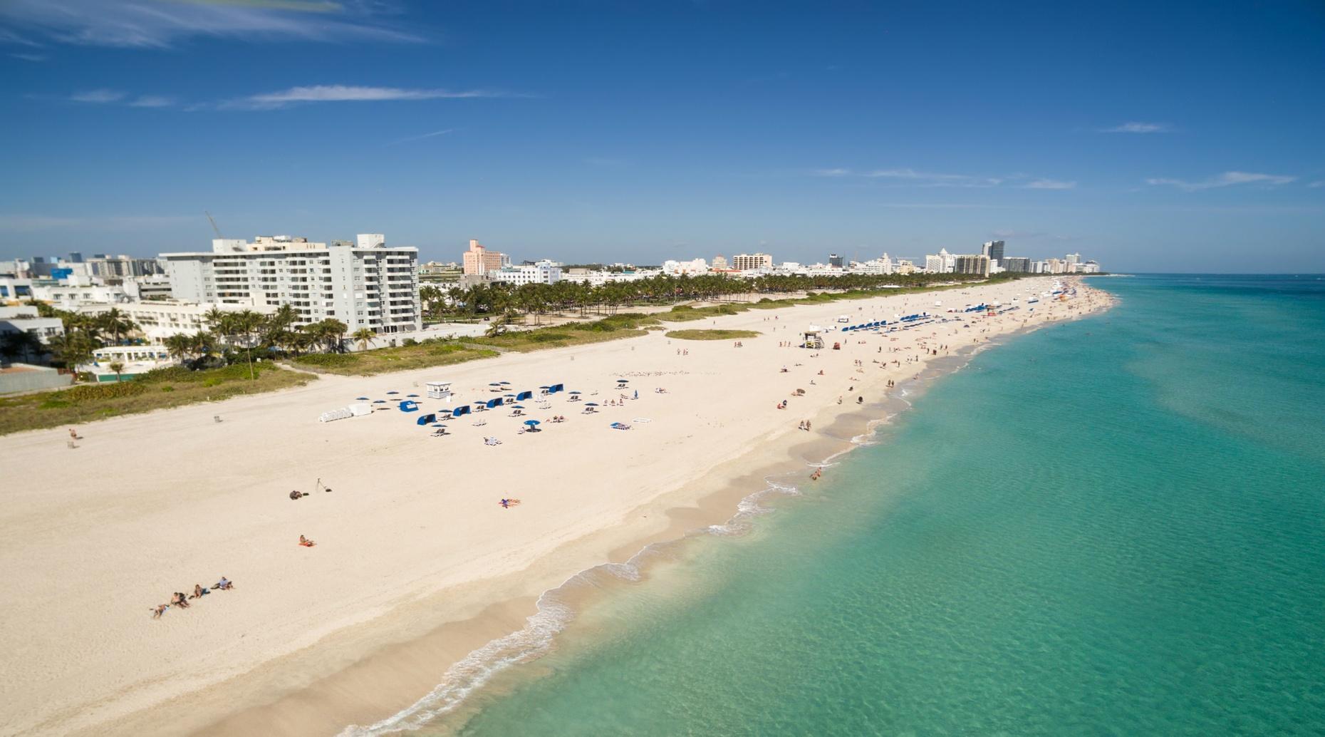 2-Hour Mirage Eclipse Rental in Miami