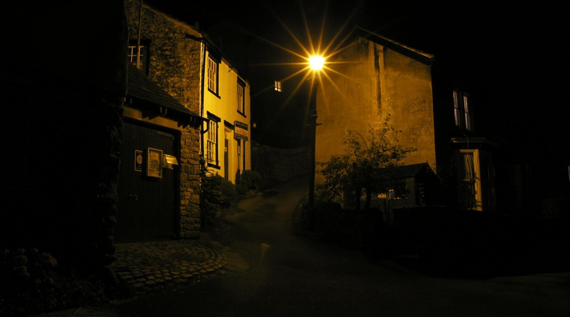 Pub Crawl & Haunted Adventure Tour in Durham