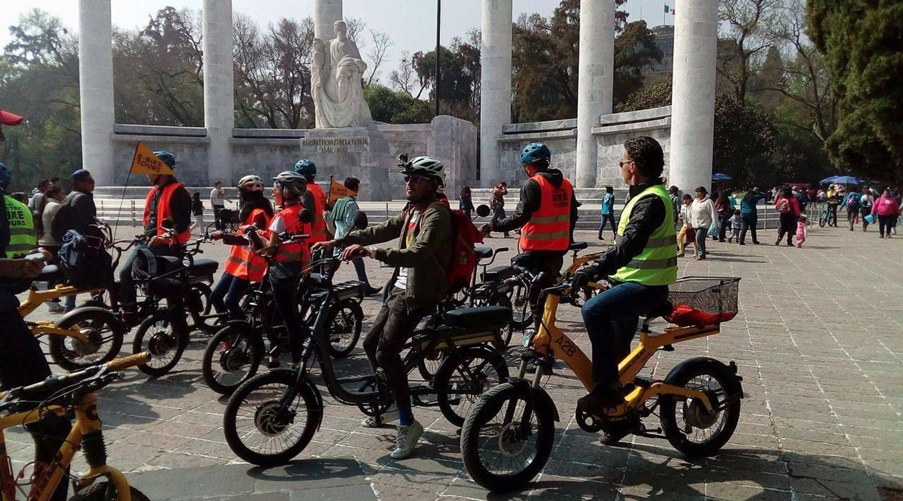 Mexico City Electric Bike Tour in Spanish
