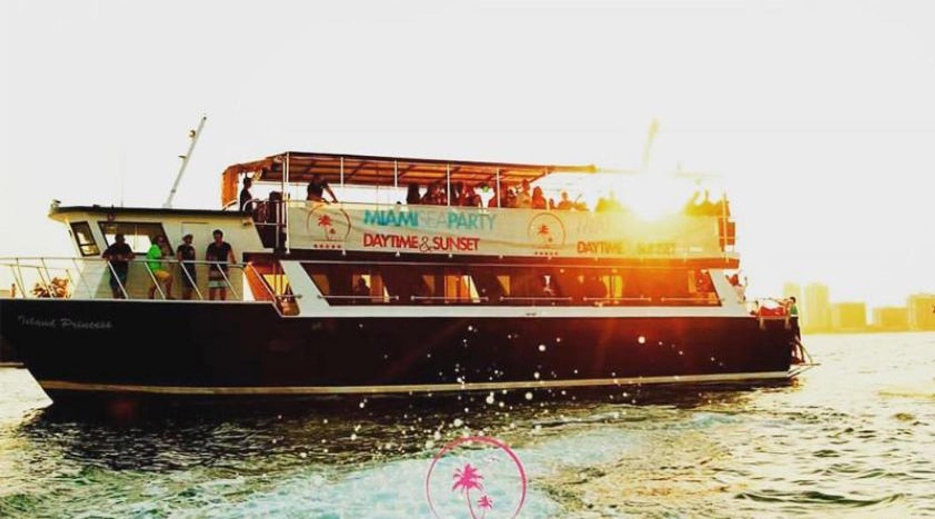 All-Inclusive Boat Party Package in Miami