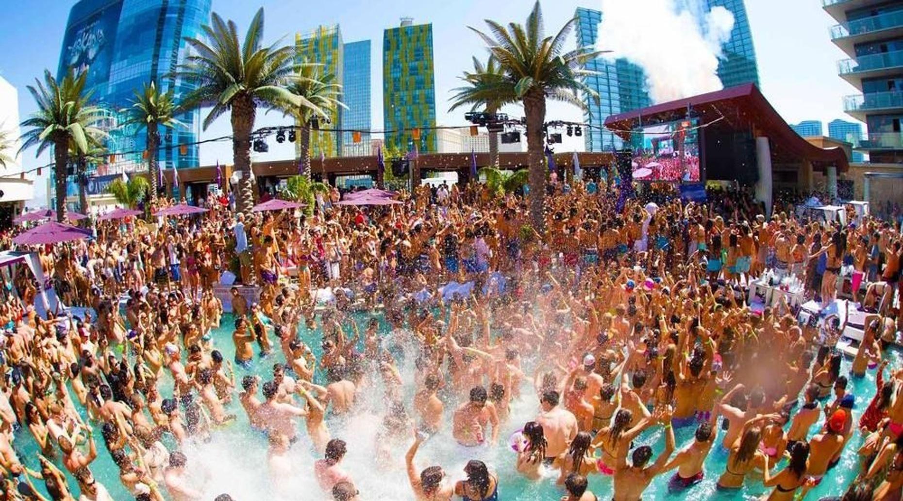 Las Vegas Pool Party Crawl