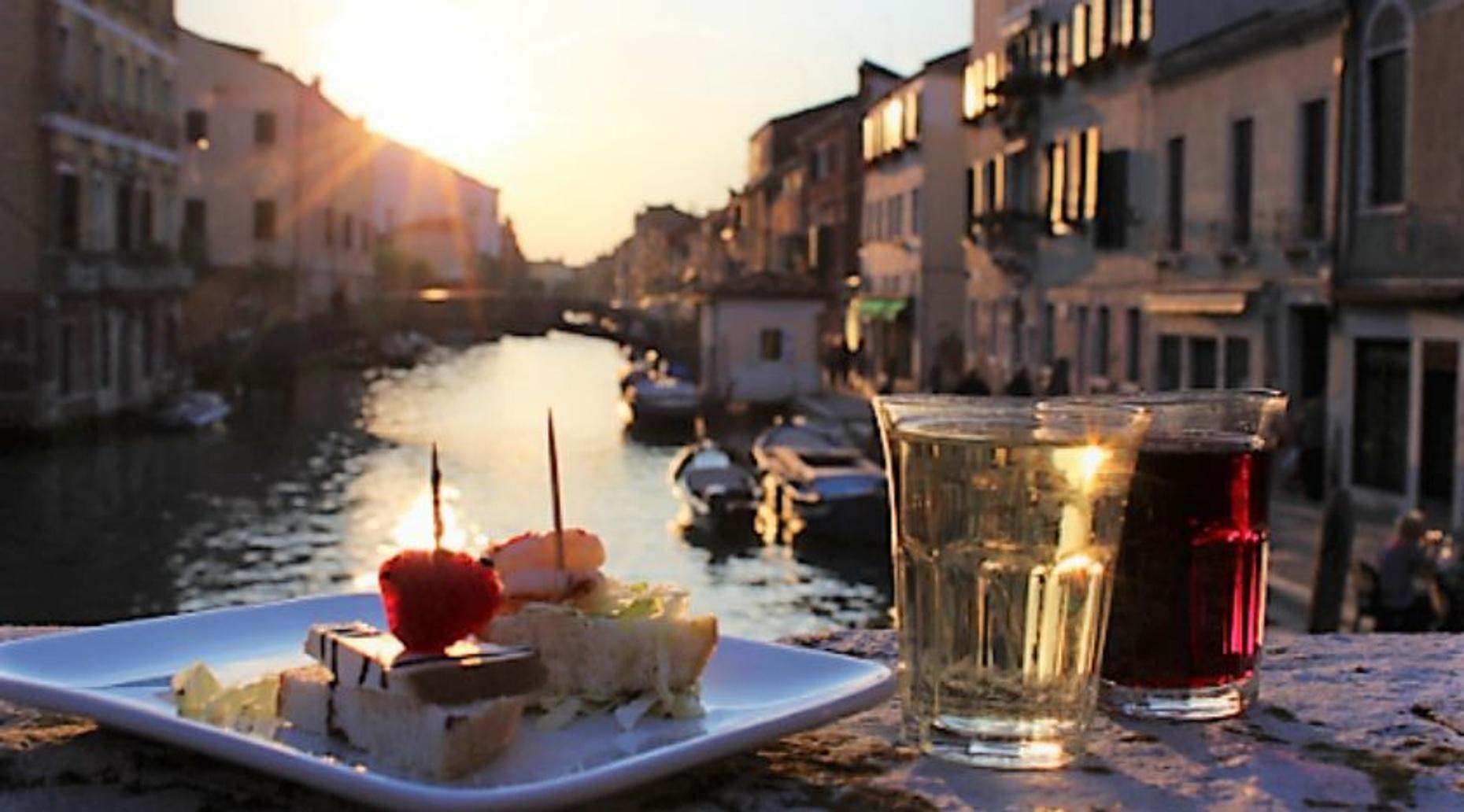 Cicchetti & Wine in Venice