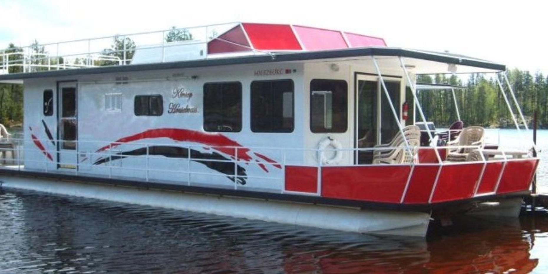 50-Foot Houseboat Rental in Babbitt