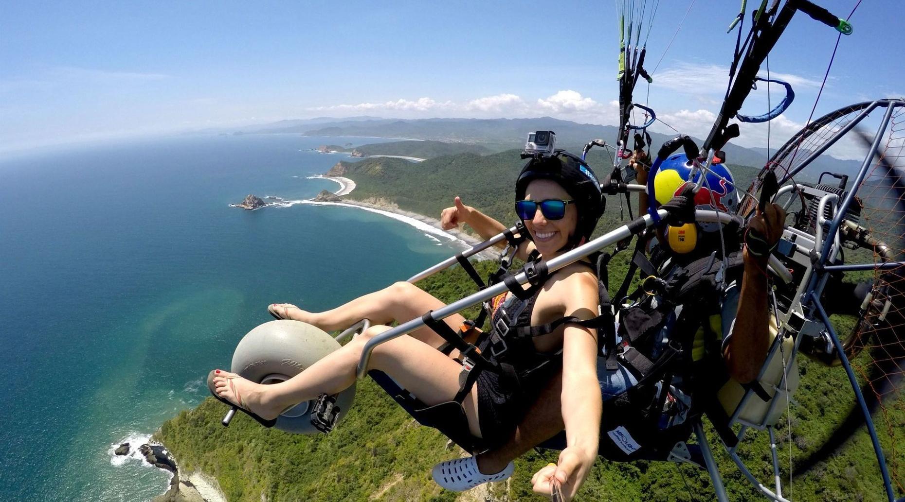 Montañita Motorized Paragliding Flight