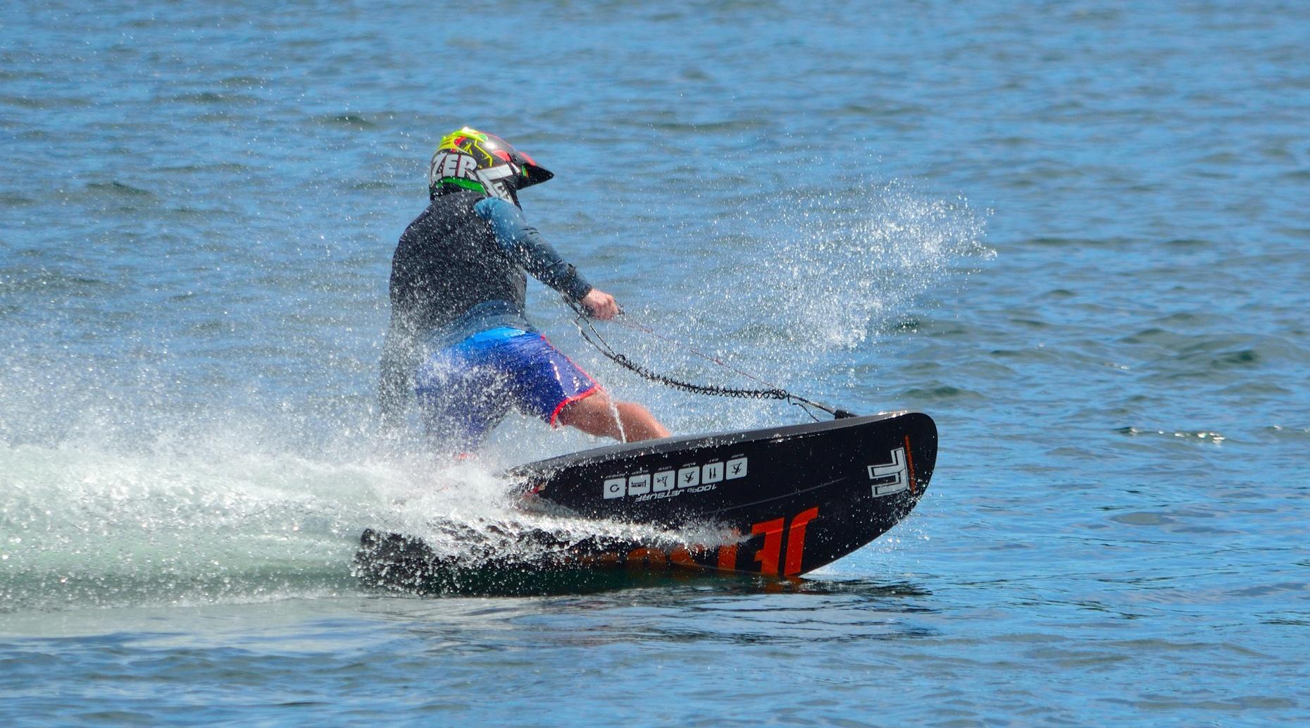 90-Minute MotoSurf Session on Lake Pleasant