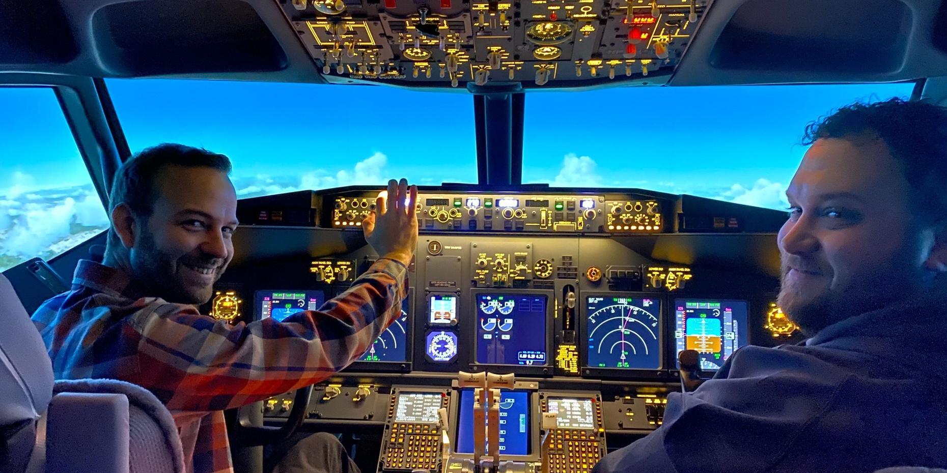 1-Hour Virtual Flight Experience in Lynnwood