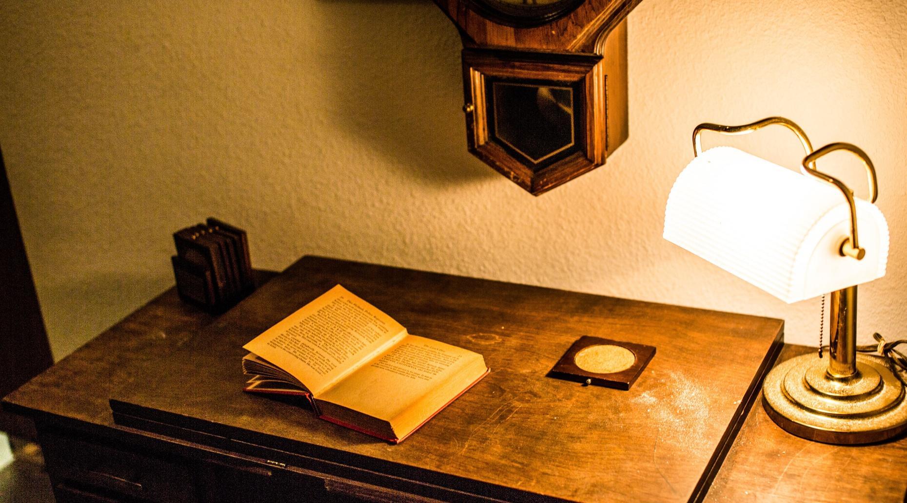 Private Gentlemen's Den Escape Room in Redding