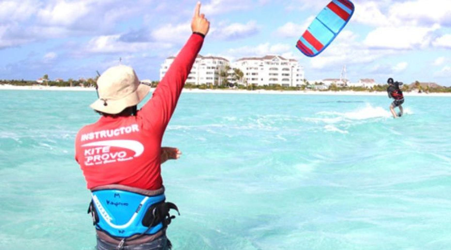 Group Beginner Kiteboarding Lesson in Turks and Caicos
