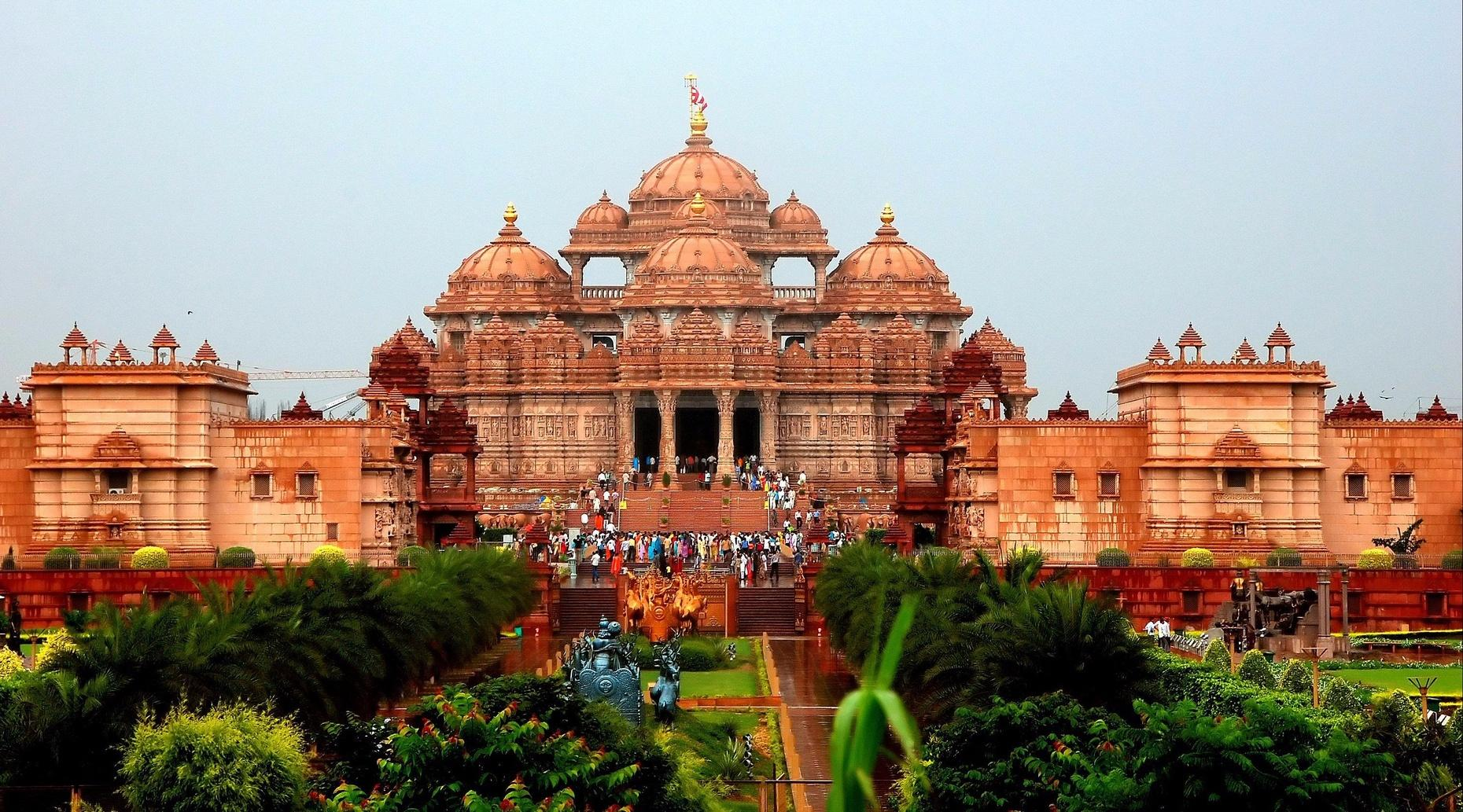 Guided Tour of Temples in Delhi