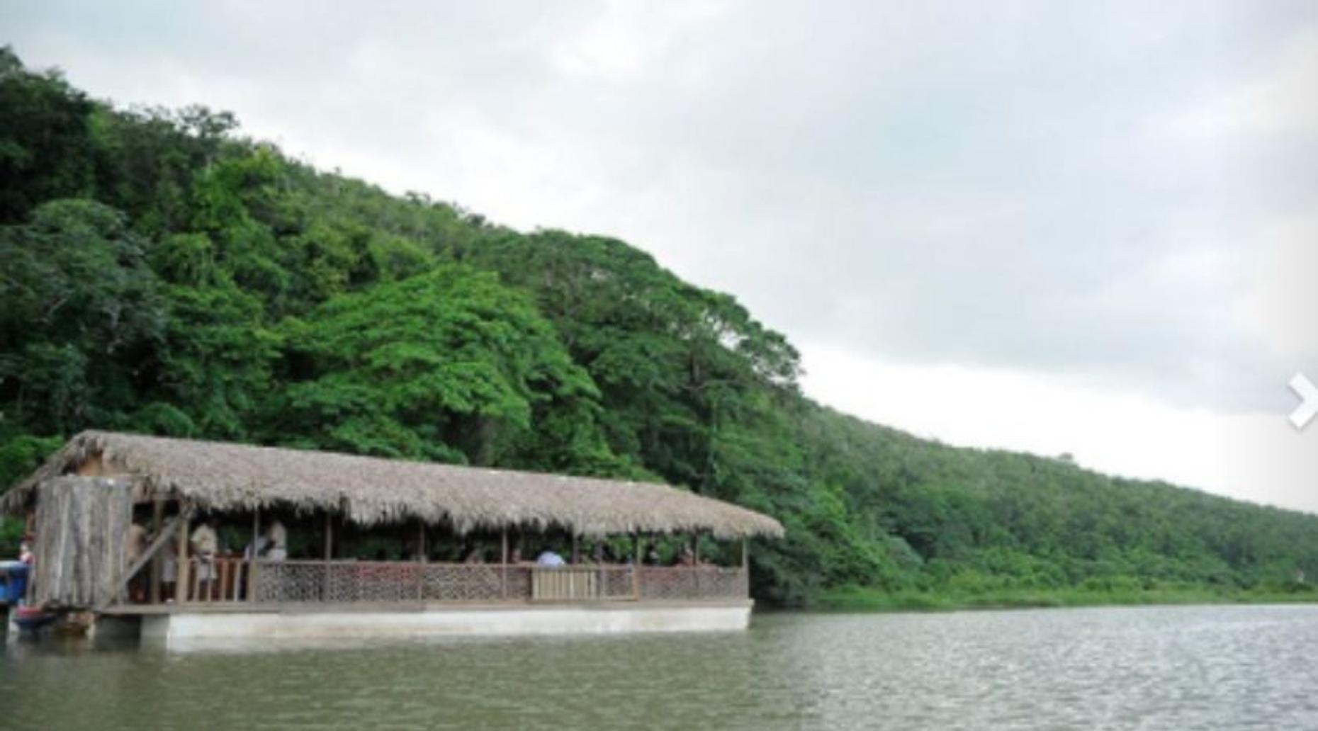 Island Hispaniola Tour