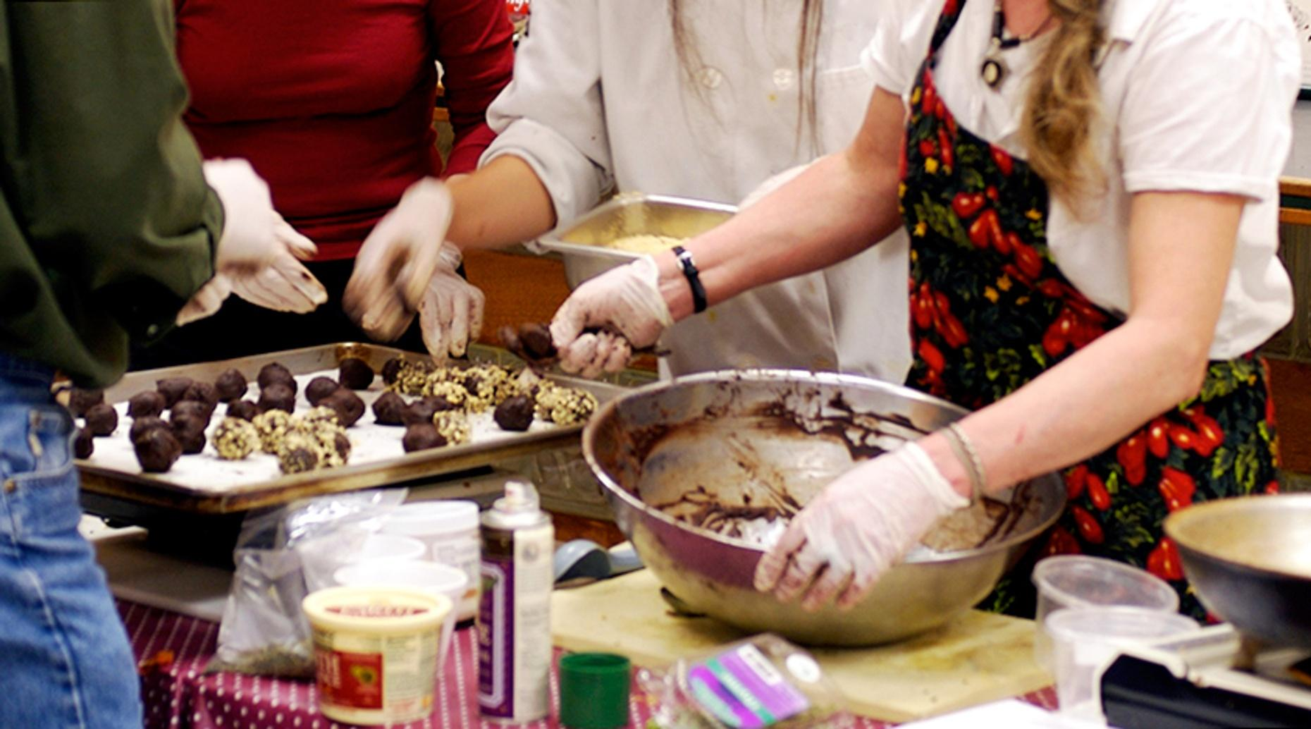 Holiday Cookie Baking Class in Savannah