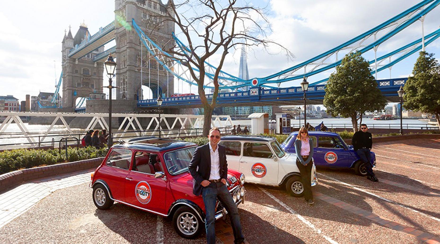 Vintage Mini Cooper London Romance Tour