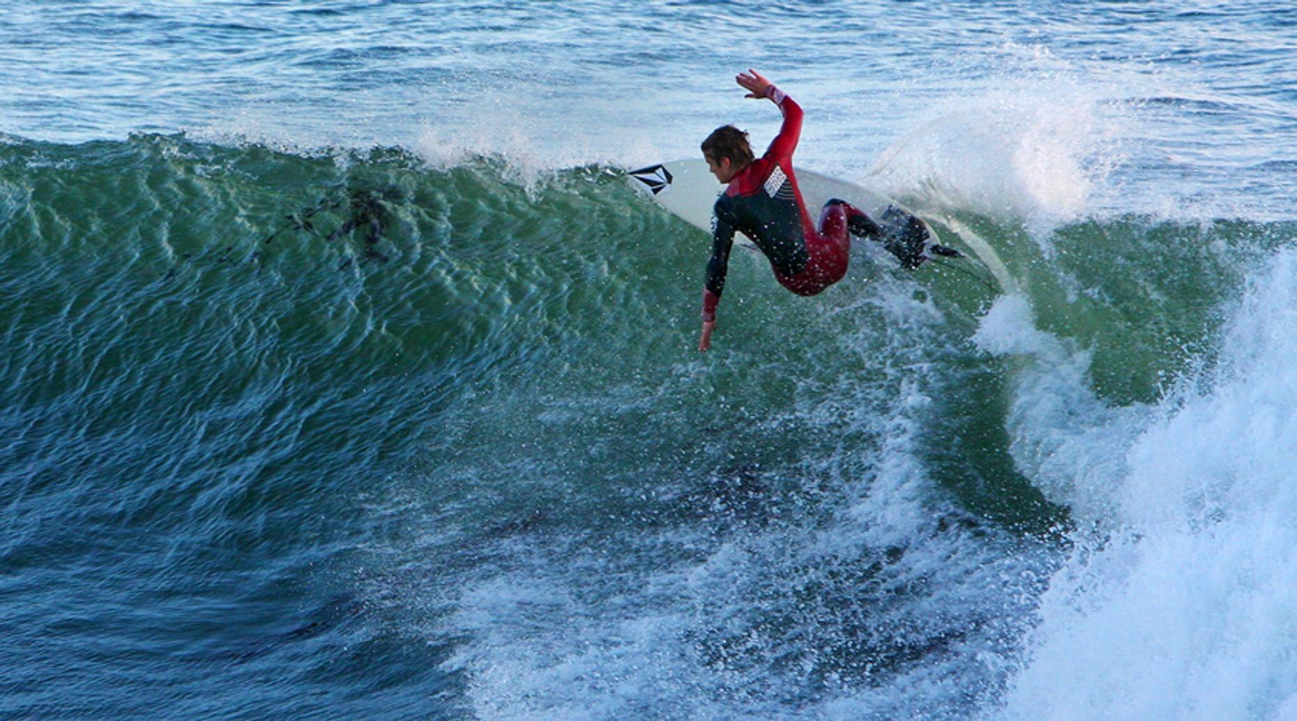 One-Hour Private Surfing Lesson in Santa Cruz