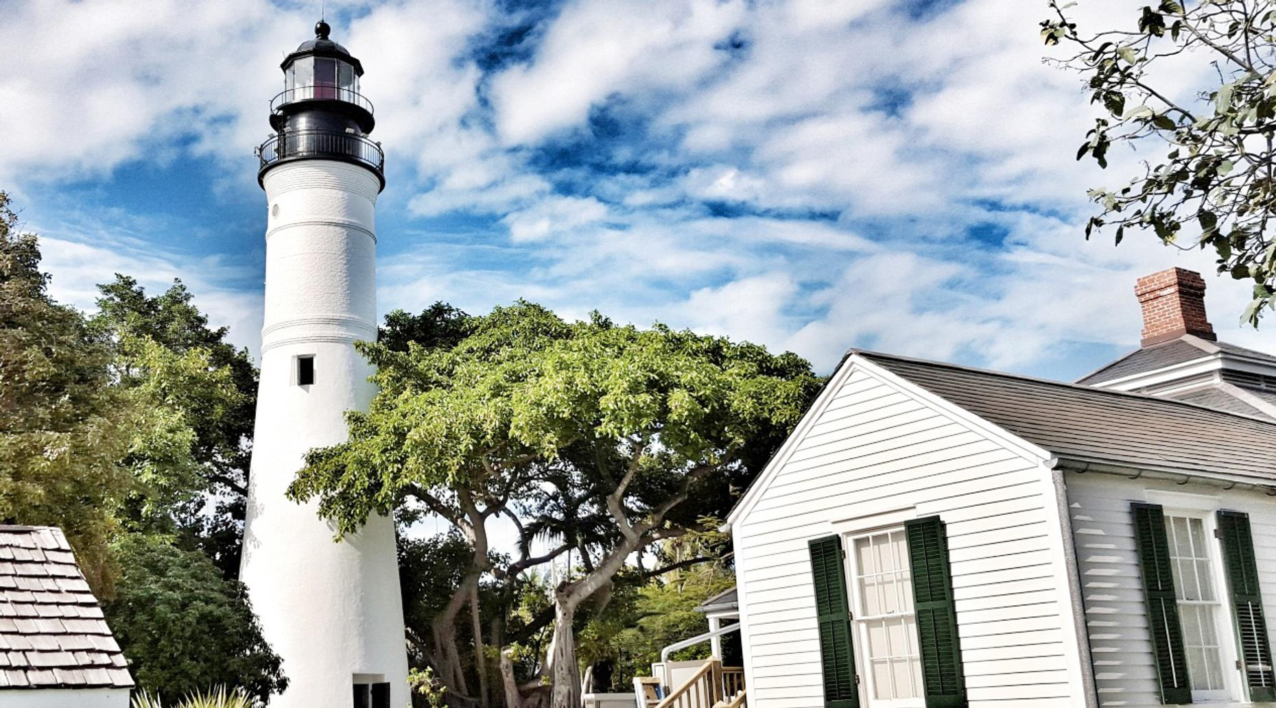4-Hour Four-Seat Electric Car Rental in Key West