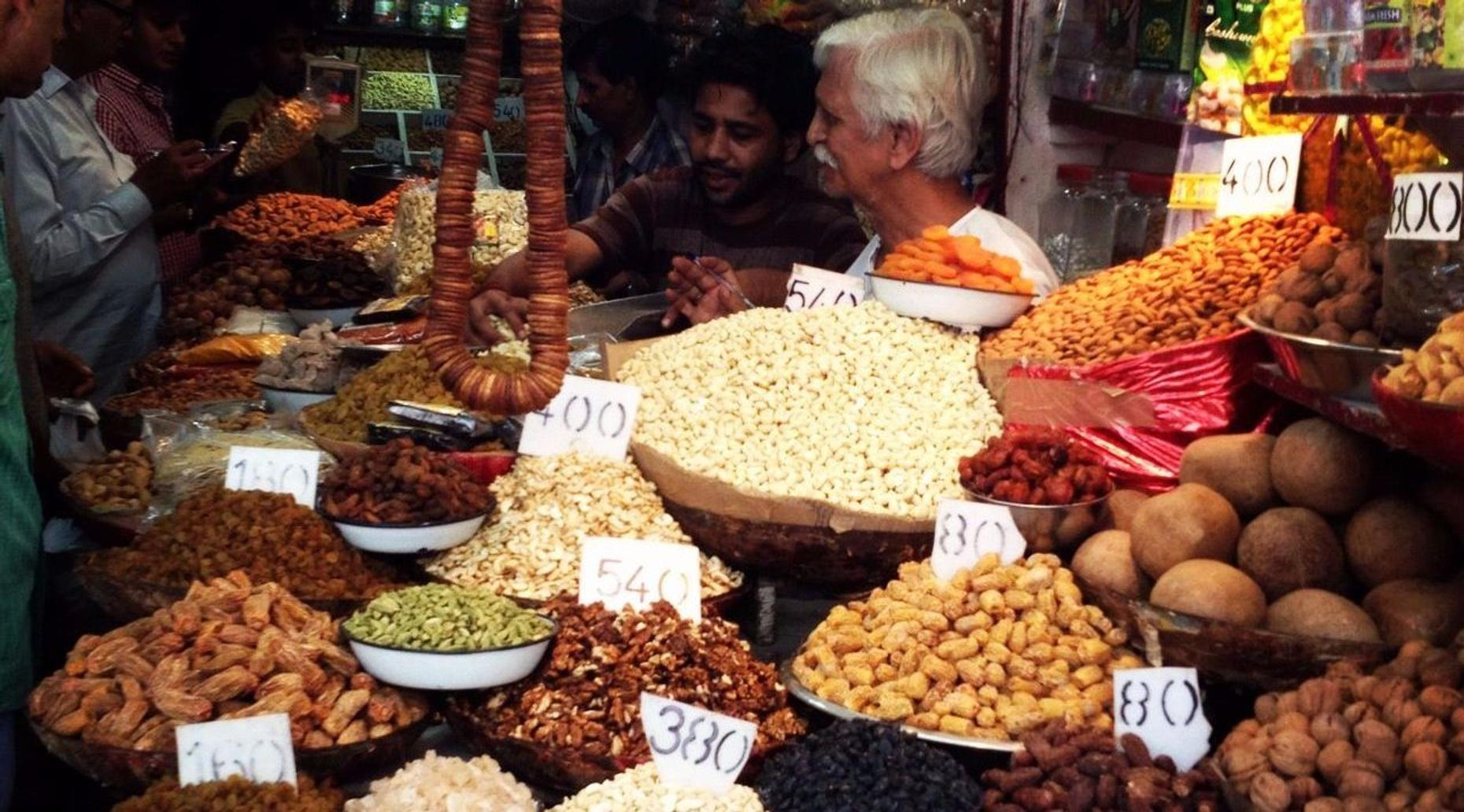 Evening Food Tour of Old Delhi with a Rickshaw Ride