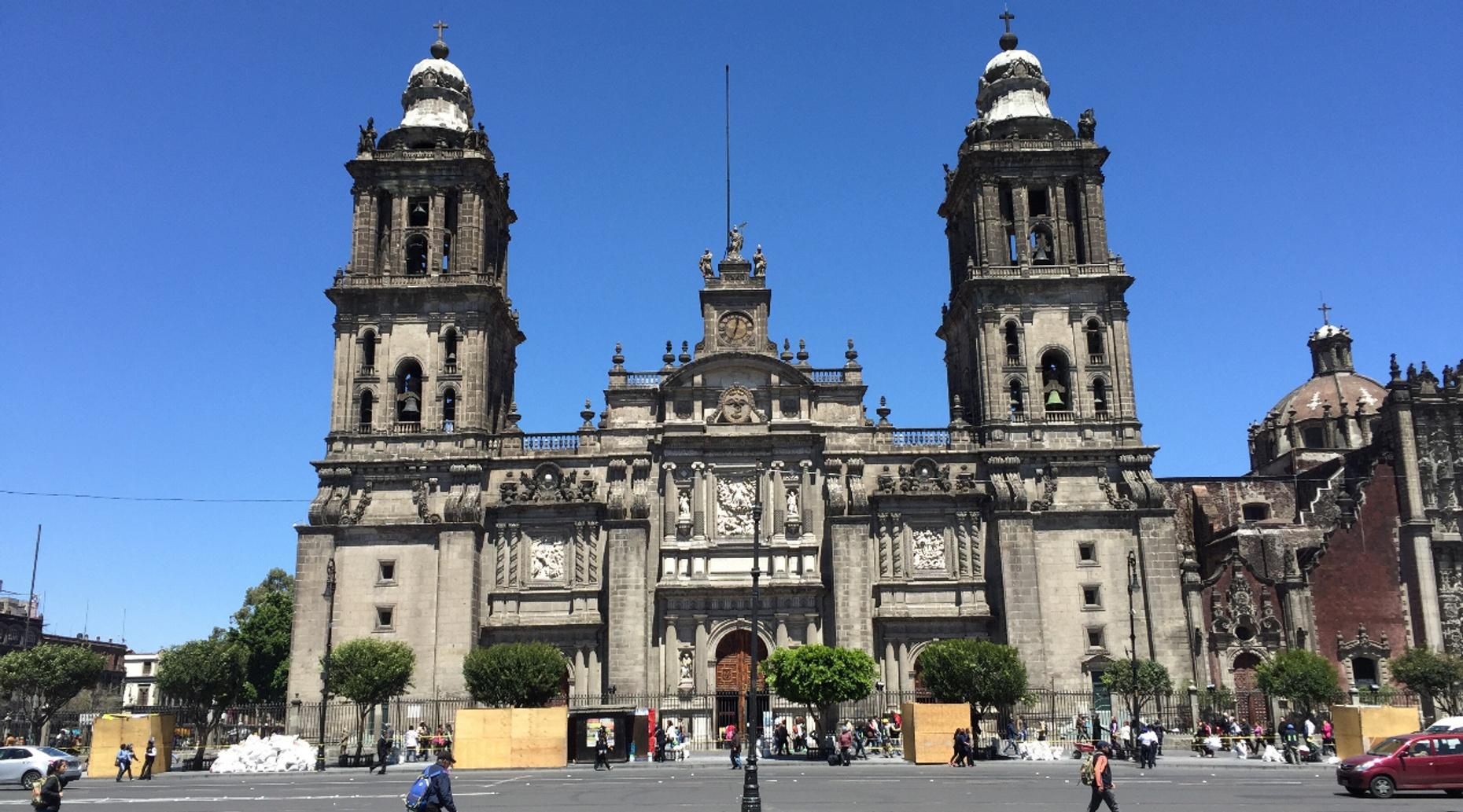 Free Downtown Walking Tour of Mexico City in English