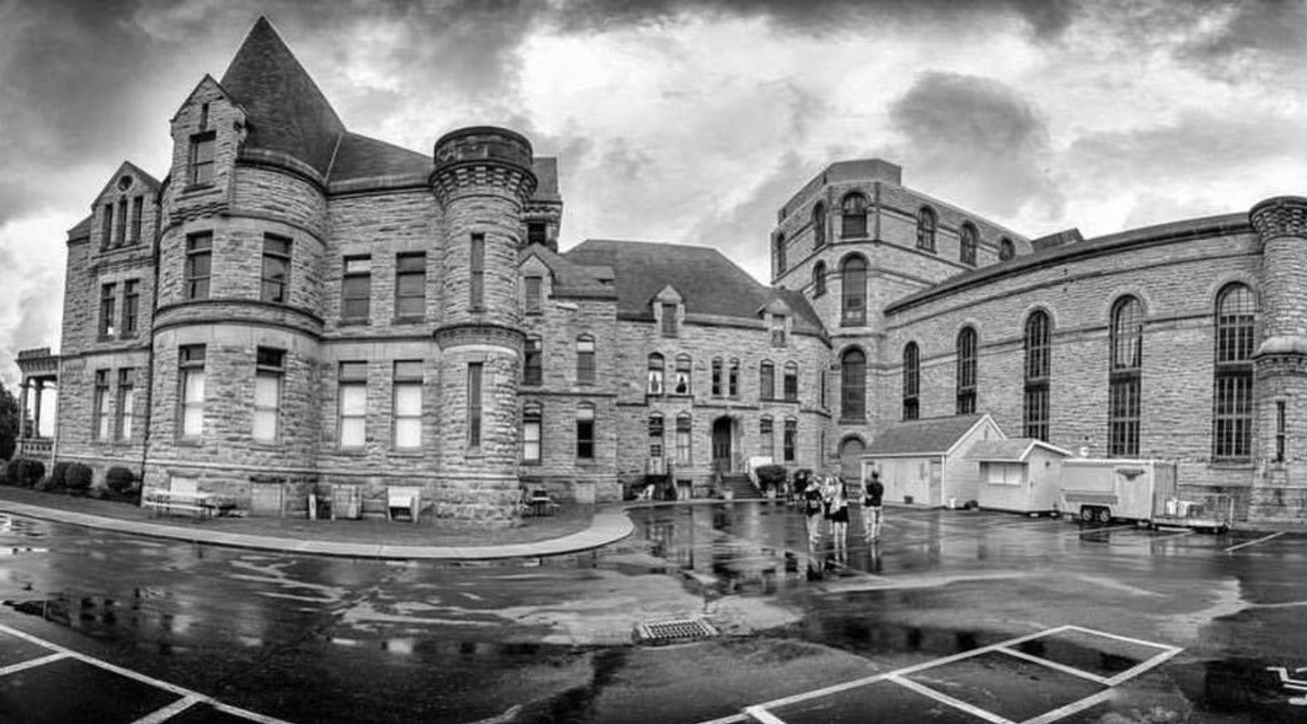Ohio State Reformatory Guided Tour in Fall
