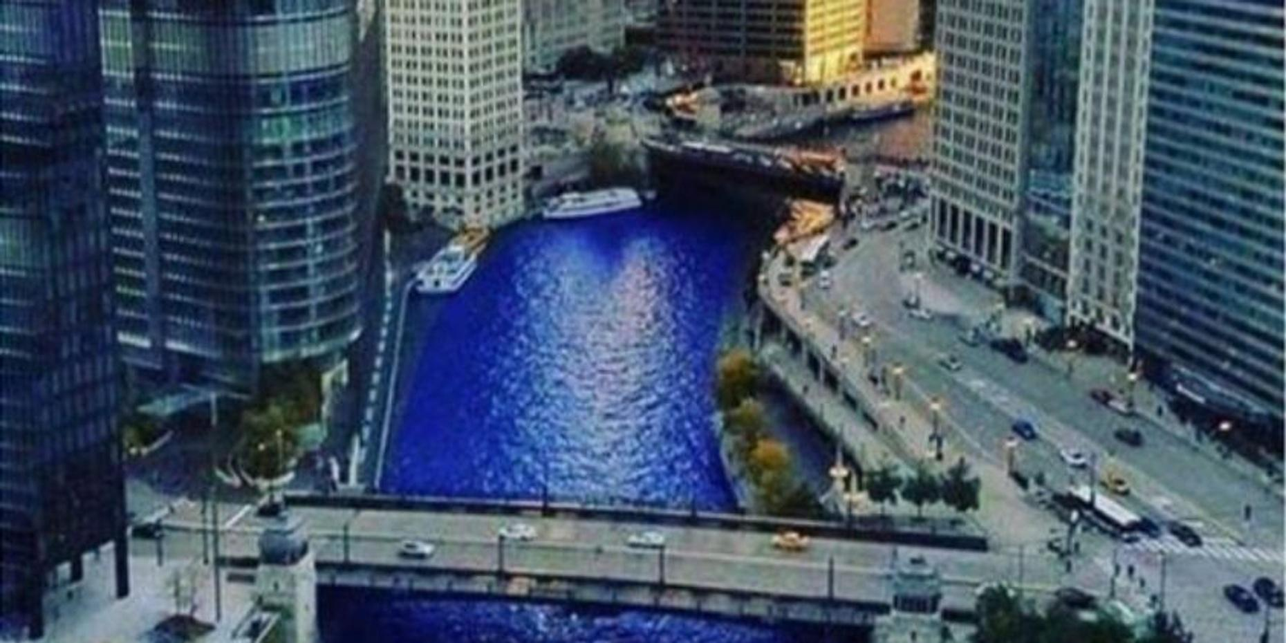 The Chicago River Boat Architecture Tour
