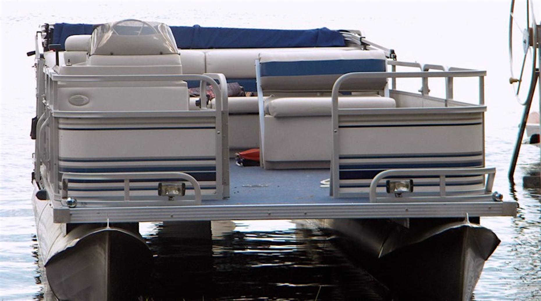 Four Hour 19' Pontoon Boat Rental in Palm Beach