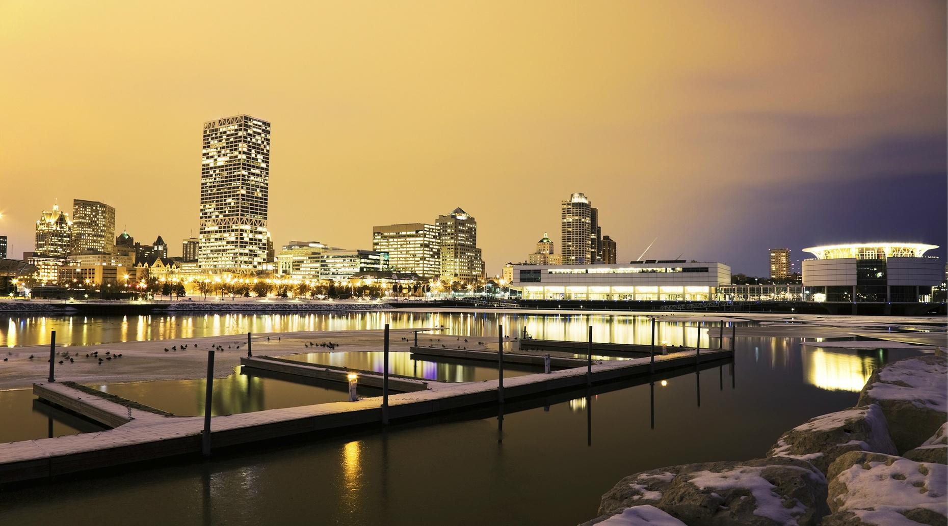 Guided Milwaukee Skywalk Tour