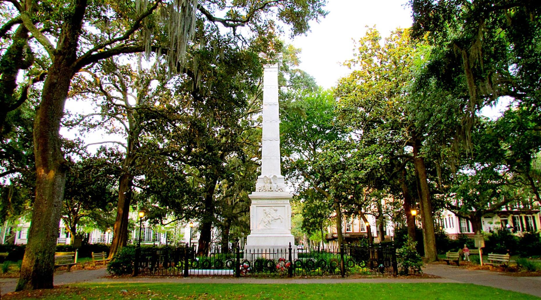 Three Hour Private Photo Walking Tour in Savannah