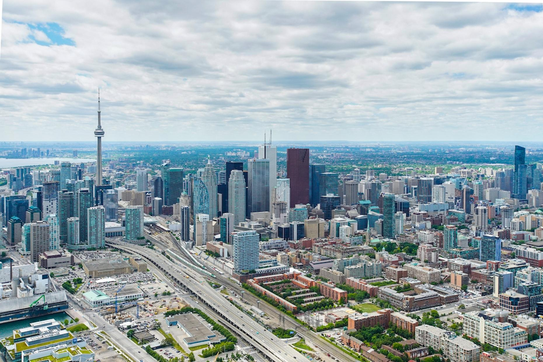 Private CN Tower Fly-By Tour in Toronto