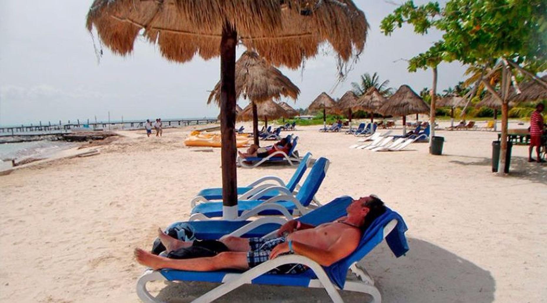 Full-Day Sailing Adventure on the Gemini to Isla Mujeres