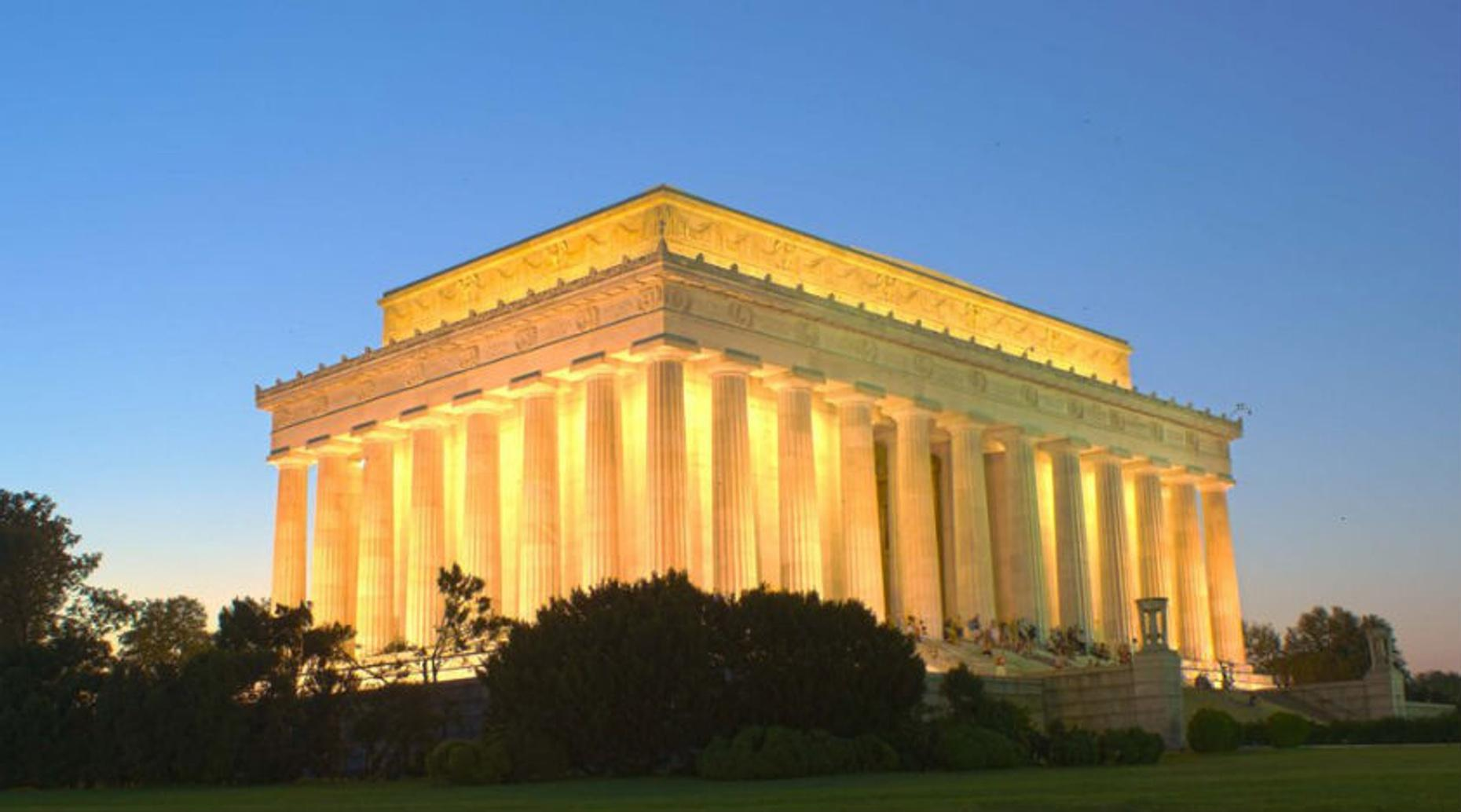 Washington Monuments by Night Tour