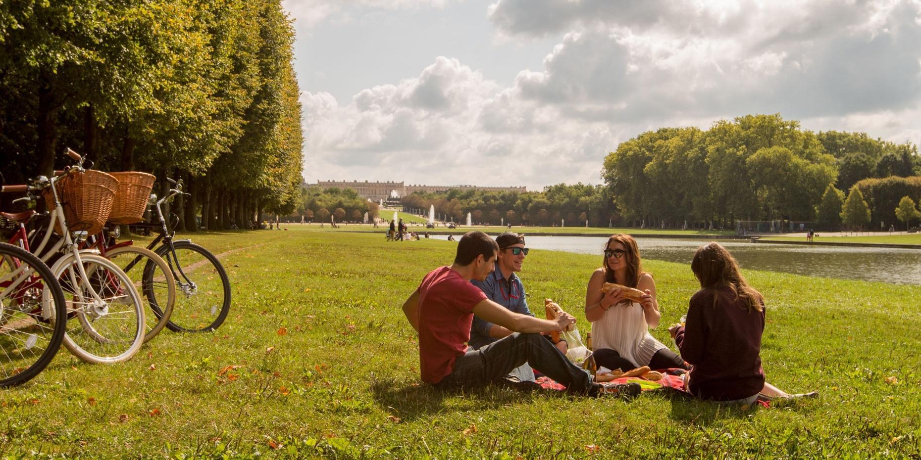 Food & Palace Bike Tour in Versailles