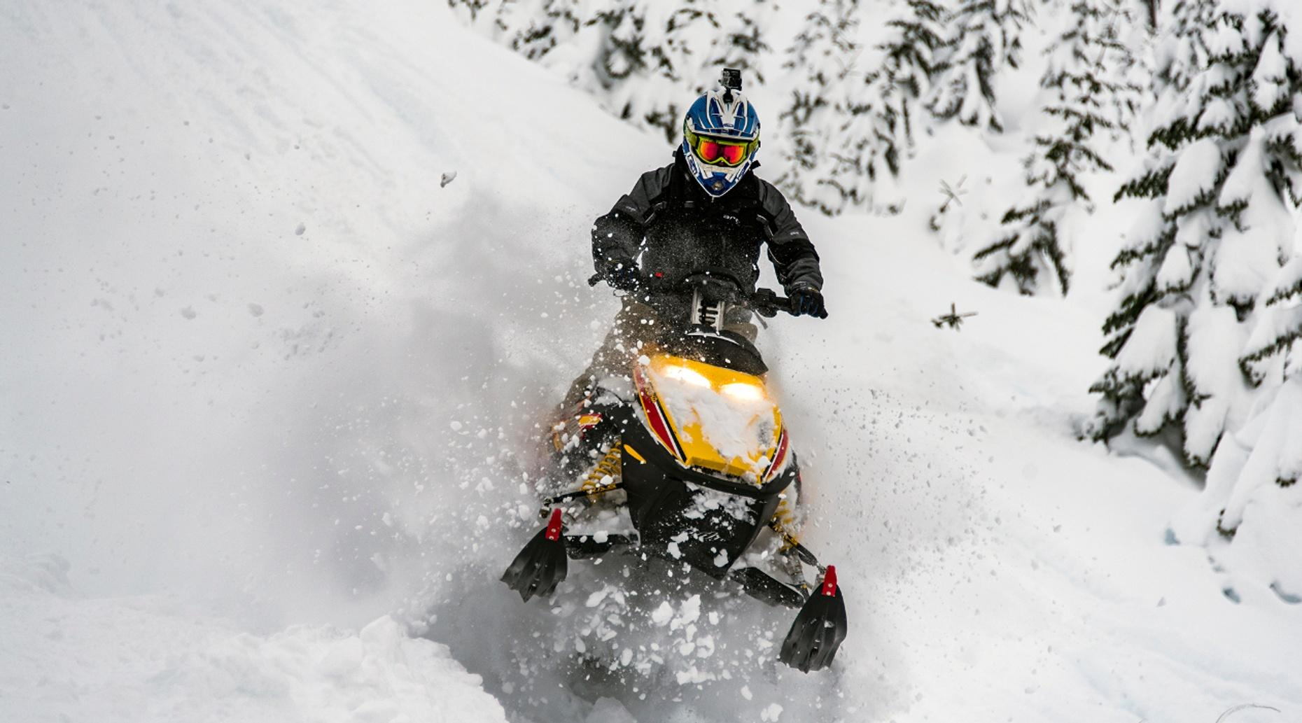 Two-Hour Snowmobile Tour in Chestertown