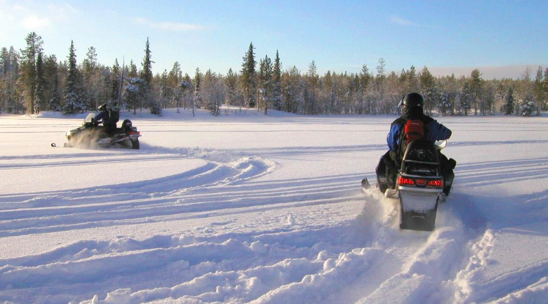 Two-Hour Snowmobile Tour in Lake Tahoe