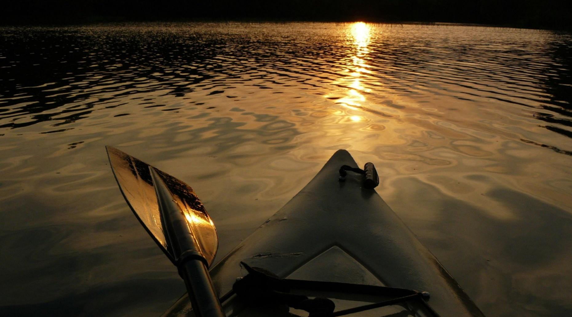 Full-Moon Kayaking Tour in San Francisco