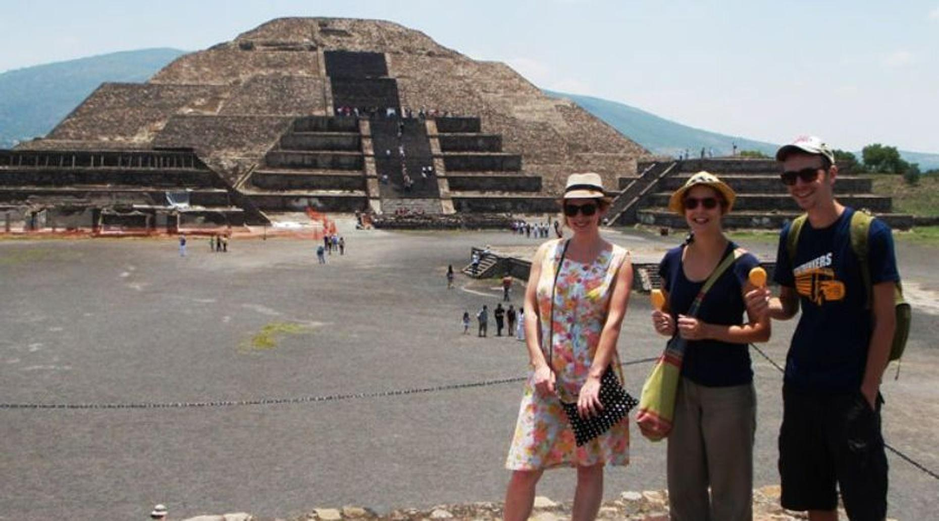 Teotihuacan Pyramids & Temples Tour