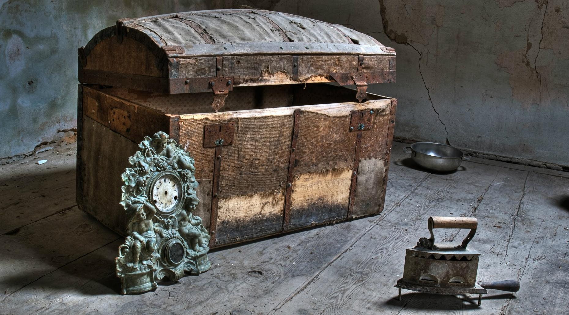 Cursed Escape Room Game